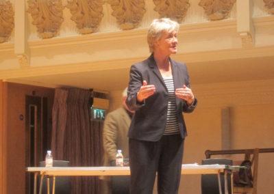 Lynne Dawson